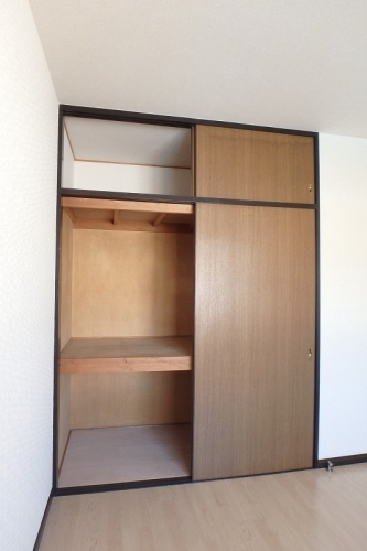 フレグランス20 / 403号室収納