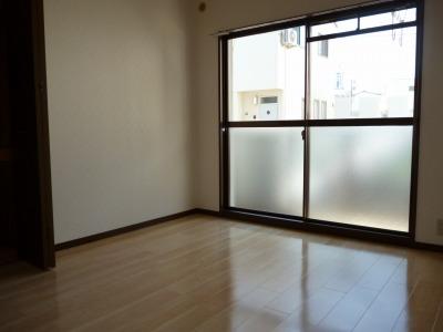 ジュネス東大利 / 101号室洋室