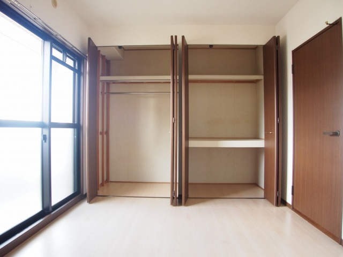 クレセント下大利 / 401号室収納