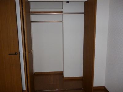フローラルハイツ / 102号室収納