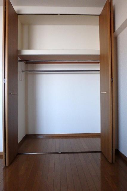 フローラルハイツ / 602号室収納