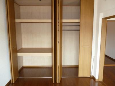 高義ビルⅢ / 102号室収納