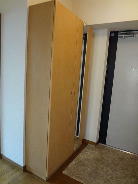 グレースコート11 / 302号室玄関