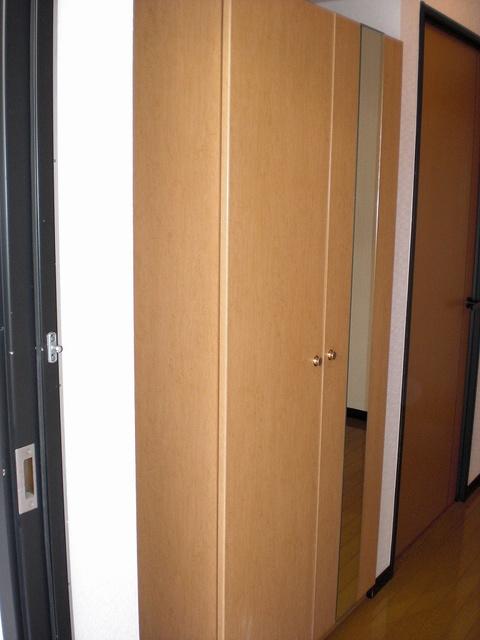 クレールマノワール / 202号室玄関