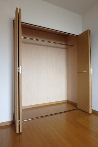 シーラ・プラッツ / 201号室収納