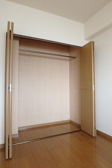 シーラ・プラッツ / 401号室収納