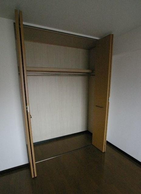 アゼリアⅡ / 303号室収納