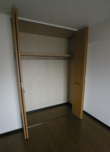 アゼリアⅡ / 502号室収納