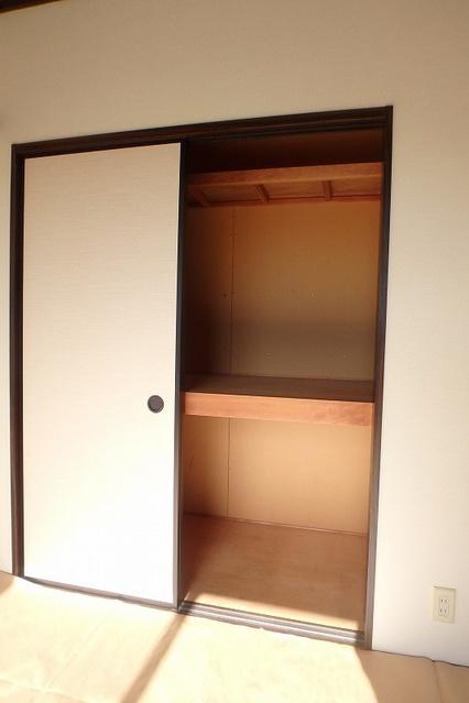 プレジデント正弥 / 1-208号室収納