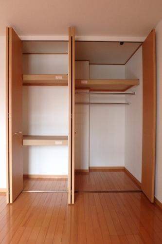 ソフィアパレス / 102号室収納
