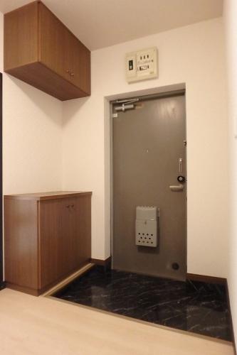 フレグランス20 / 403号室玄関