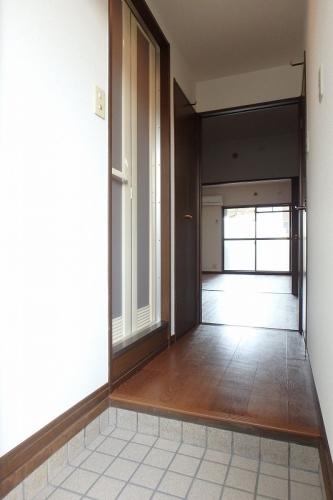 ジュネス東大利 / 105号室玄関