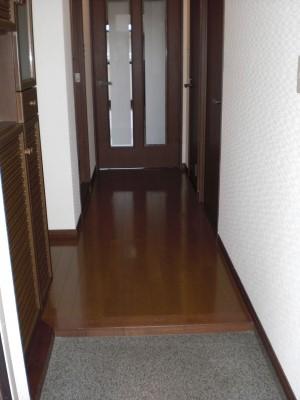クレセント下大利 / 303号室玄関