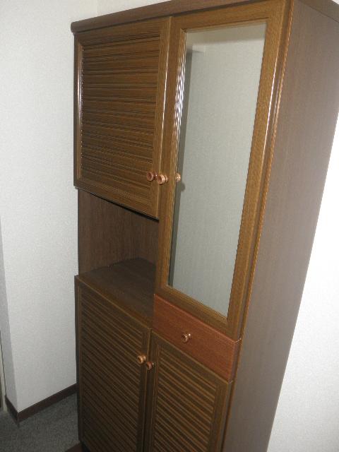 クレセント下大利 / 401号室玄関