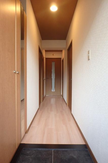フレア・クレスト水城 / 102号室玄関