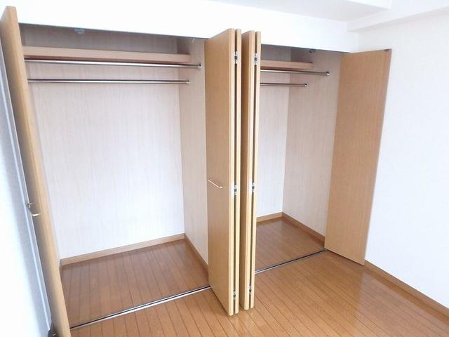 グレースコート11 / 102号室収納