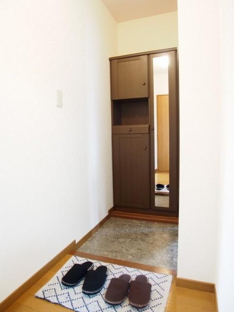 ティアラ若草 / 201号室玄関