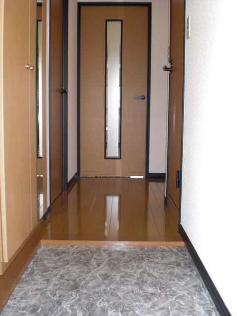 クレールマノワール / 102号室玄関