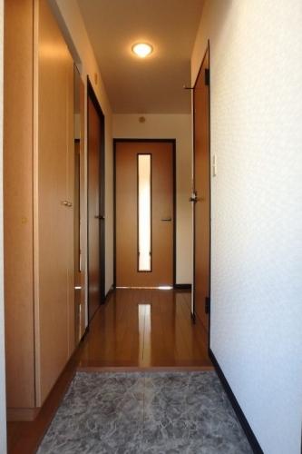クレールマノワール / 201号室玄関