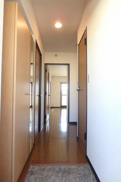 クレールマノワール / 301号室玄関