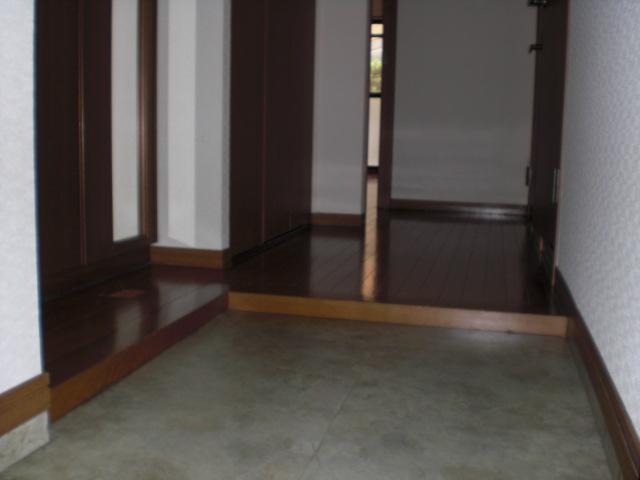 クレール東大利B / 302号室エントランス