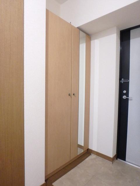 マンテンビュー / 101号室玄関