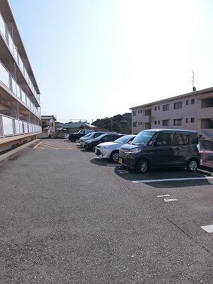 レジデンス飯田 / 107号室駐車場