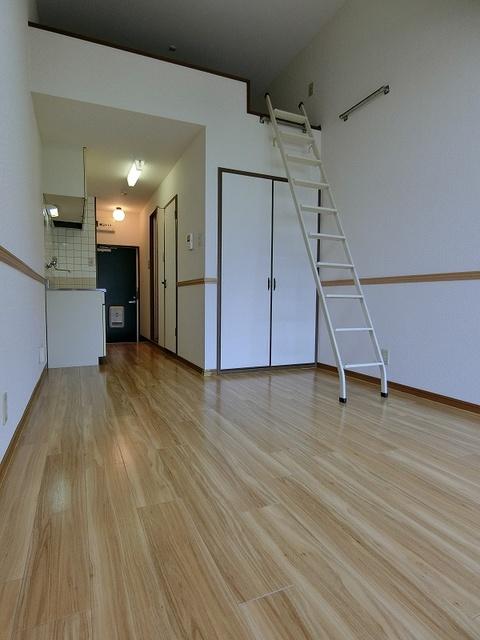 グルニエS・T / 102号室
