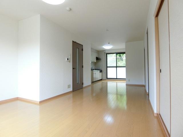 ティアラ飯田 / 102号室