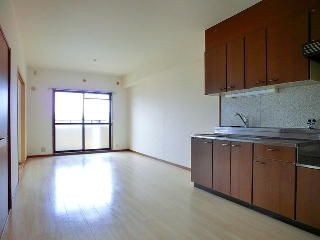 ローヤル南福岡 / 405号室