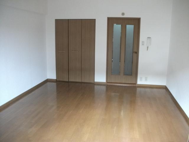 レイ・トレース / 305号室