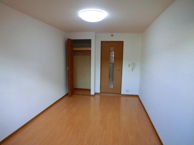アヴァンティ野間2 / 303号室