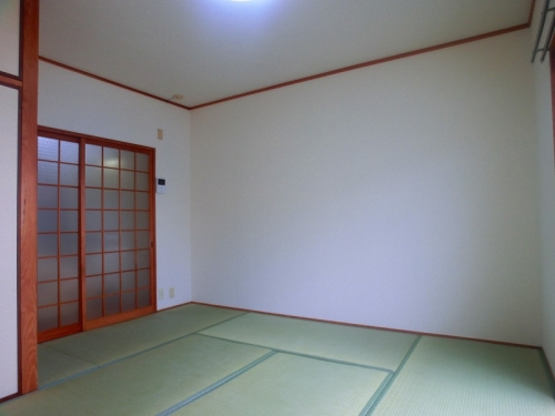 シャンテ八尋 / 402号室