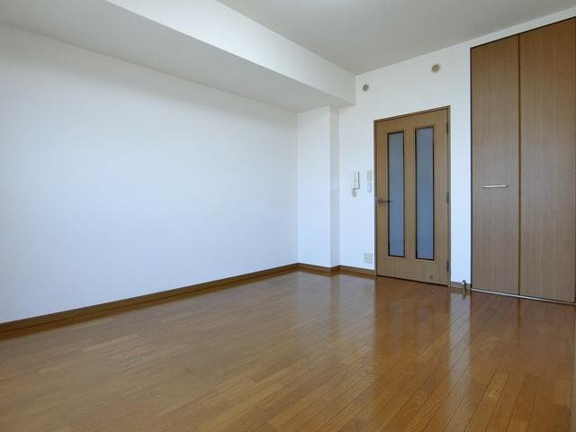 ジュネス井尻駅前 / 406号室リビング