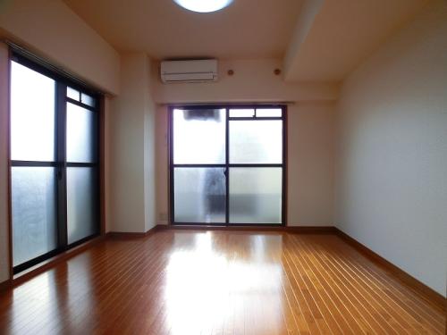 ジュネス井尻駅前 / 601号室