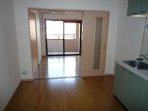 サンパティーク高宮 / 205号室リビング