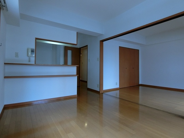 サンパティーク高宮 / 301号室リビング
