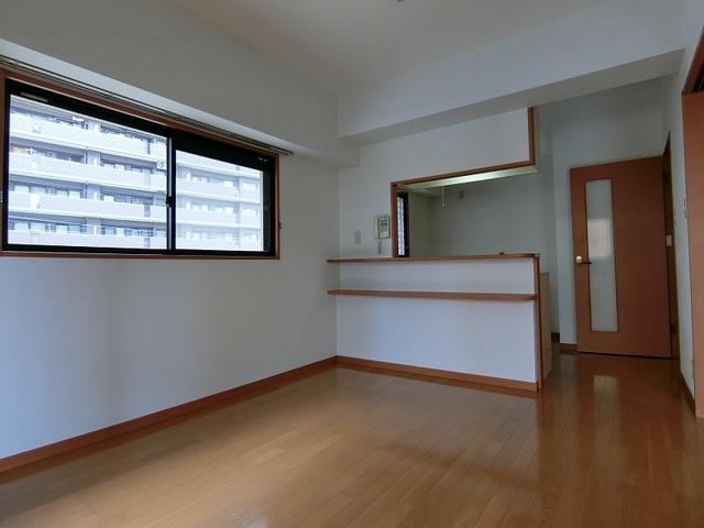 サンパティーク高宮 / 401号室リビング