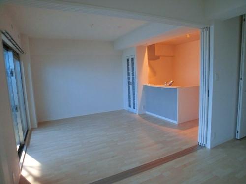 コンフォート・レジデンス / 603号室キッチン