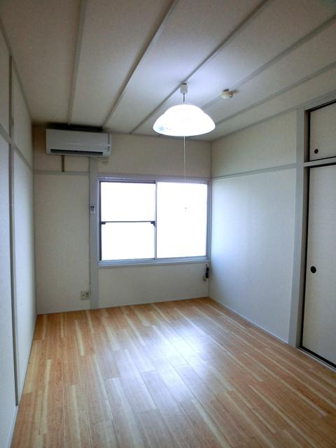 サンライズコーポ / 203号室リビング