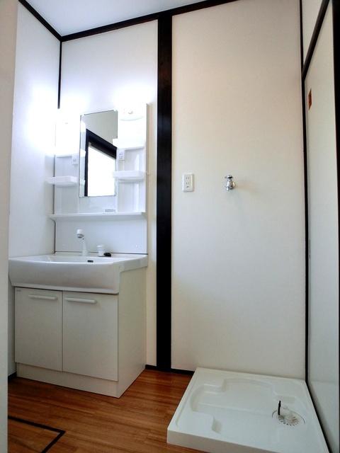 渡辺貸家 / 5号号室洗面所