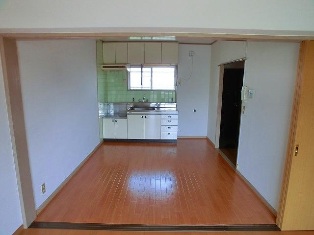エクセレント12 / 203号室リビング