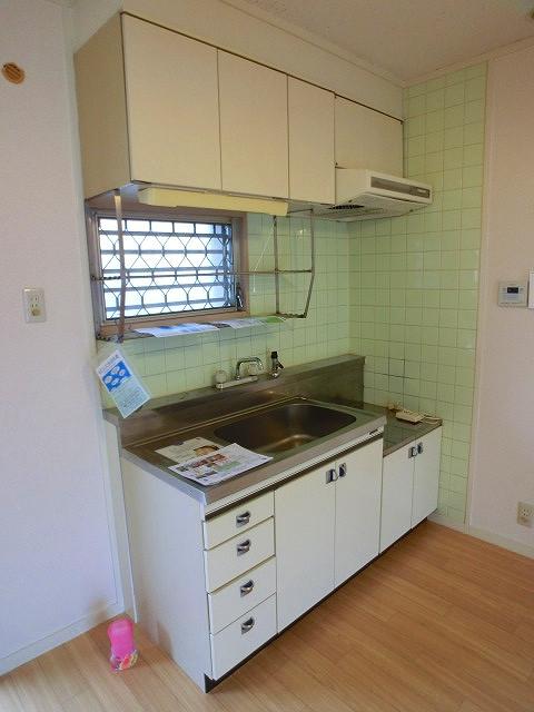 山本ビル / 302号室キッチン
