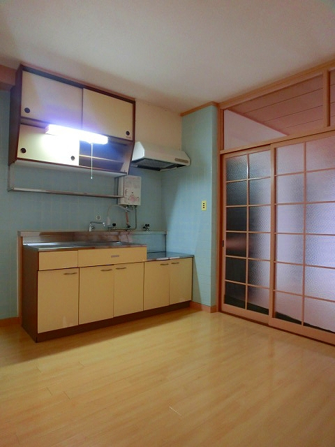 松岡コーポ / 103号室リビング