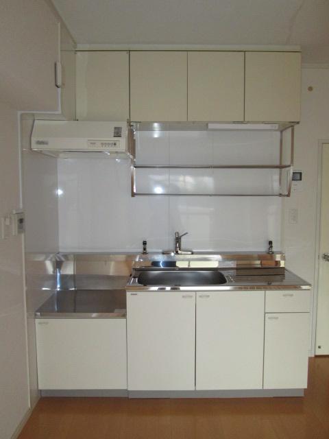メゾンコーポ24 / 103号室キッチン