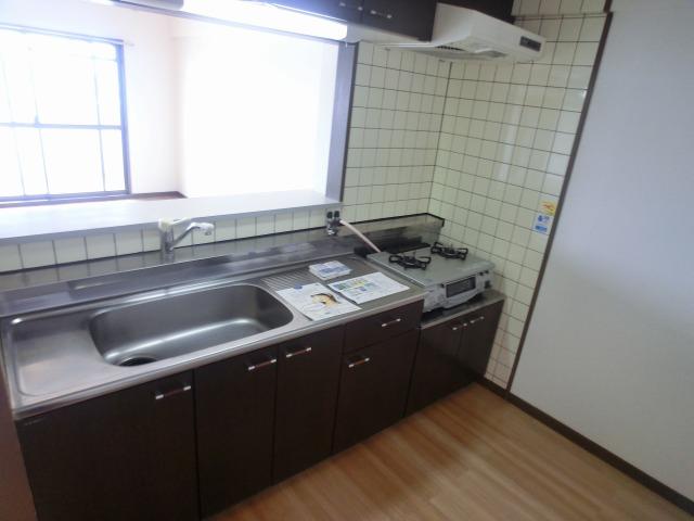 井尻第3ビル / 601号室キッチン
