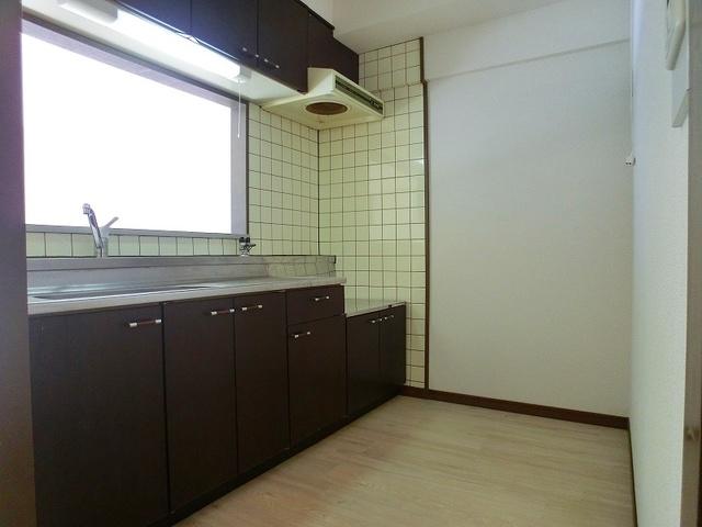 井尻第3ビル / 401号室キッチン