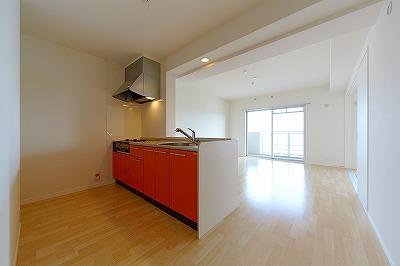 イーストパル博多Ⅱ / 201号室キッチン