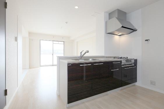ソシアルーチェ / 301号室キッチン