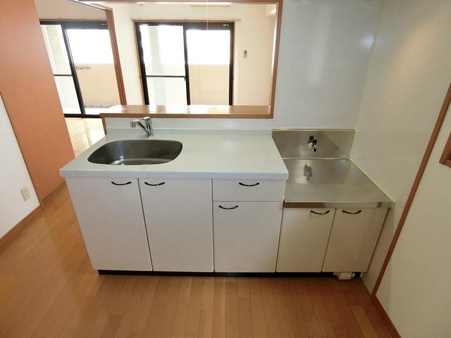 サンパティーク高宮 / 301号室キッチン